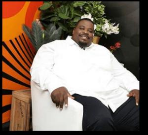 Sipho Ngwenya – Uyingcwele Uphakeme