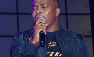 Dr. Tumi – King of Glory